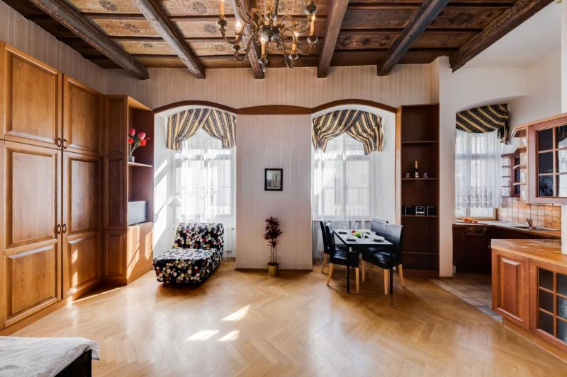 Palace Apartment protected by UNESCO – next to Charles Bridge -7