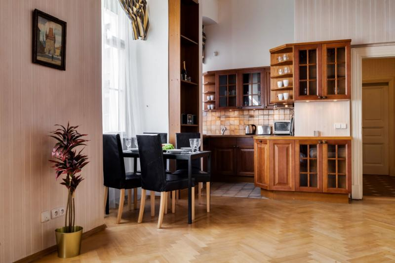 Palace Apartment protected by UNESCO – next to Charles Bridge -8
