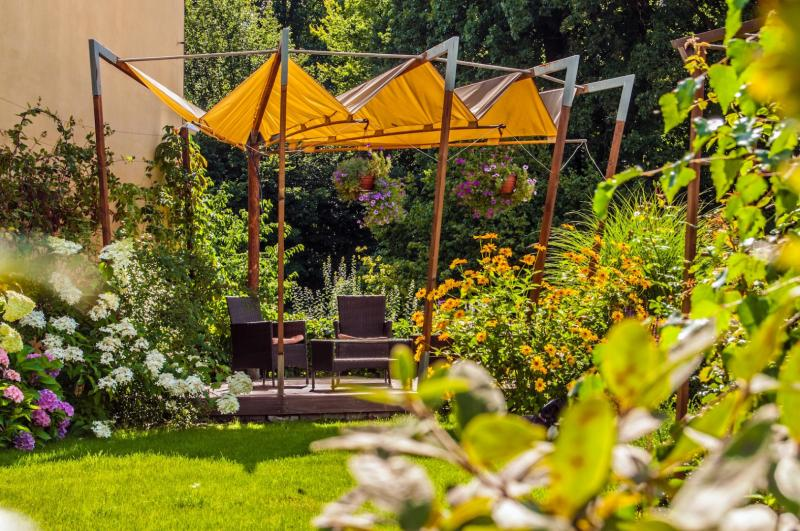 Summer garden for hotel guests-1